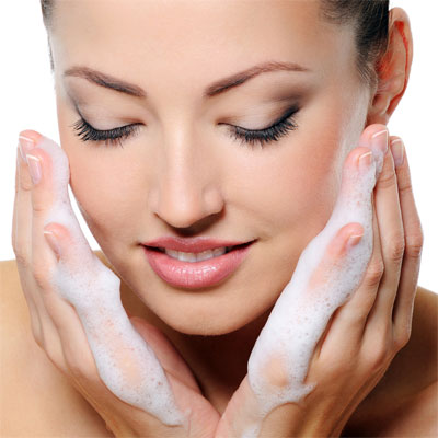 Facial Cleanser with Foam